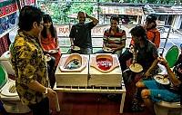 Nhà Hàng Siêu Dị ở Indonesia - Style Bồn Cầu