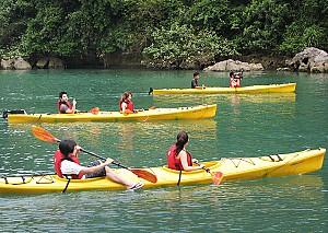 VPQ17. Chèo Thuyền Kayak Trên Sông Cửu Cạn Phú Quốc 1 Ngày