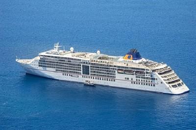 Tàu du lịch quốc tế chở gần 850 du khách đến Phú Quốc