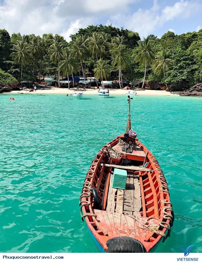 kết thúc kỳ du lịch khách cùng nhau chia tay đảo Phú Quốc