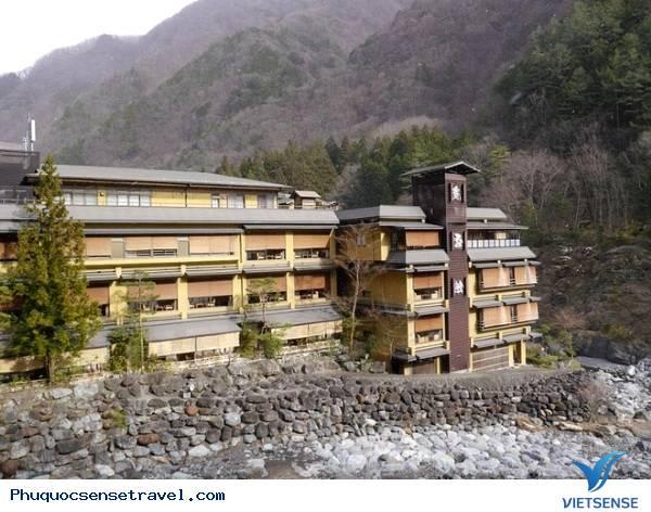 Khách sạn cổ nhất thế giới